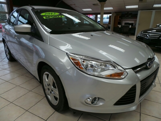 Used Ford Focus 4DR SDN SE,  REDUCED!!!!