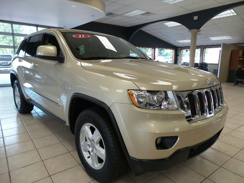 pre owned 2011 jeep grand cherokee 4wd 4dr 70th anniversary suv in new castle 061488a car. Black Bedroom Furniture Sets. Home Design Ideas