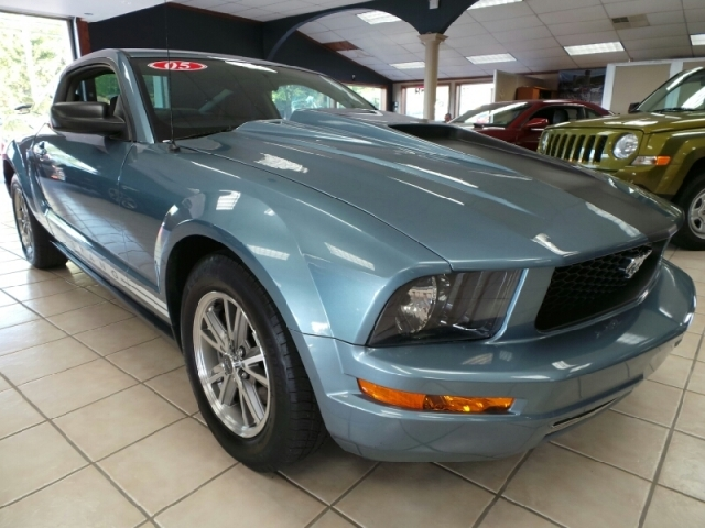 Used Ford Mustang 2dr Cpe Deluxe