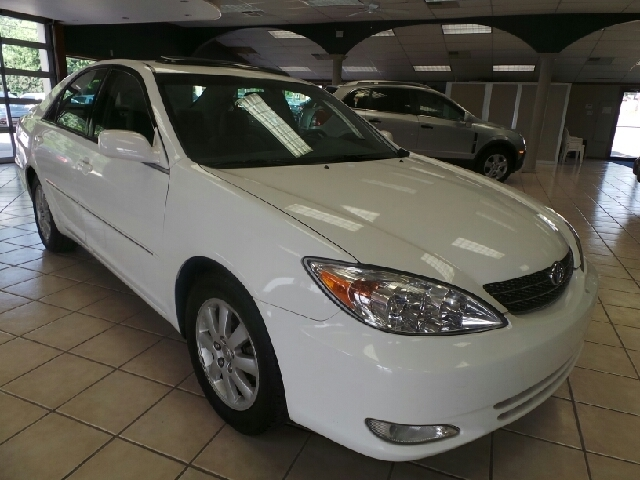 Used Toyota Camry 4DR SDN XLE AUTO