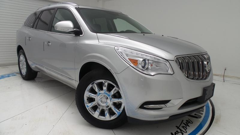Used Buick Enclave AWD  LEATHER AND PANORAMIC ROOF